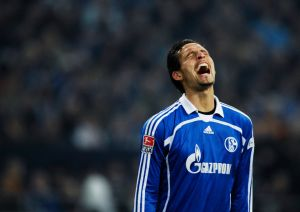 Schalke - HSV:  Kuranyi frustriert